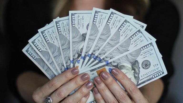 まずは貪欲に自分のビジネスを作り上げ、しっかりと稼げ